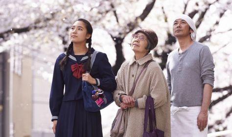 Film na kozetce: Kwiat wiśni i czerwona fasola